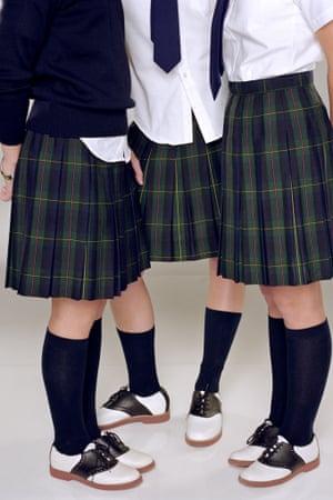 Додсматривать под юбку в школе фото 57-138