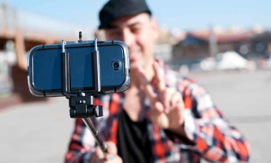 Forget selfie sticks: there are other useful tools to take great smartphone photos.