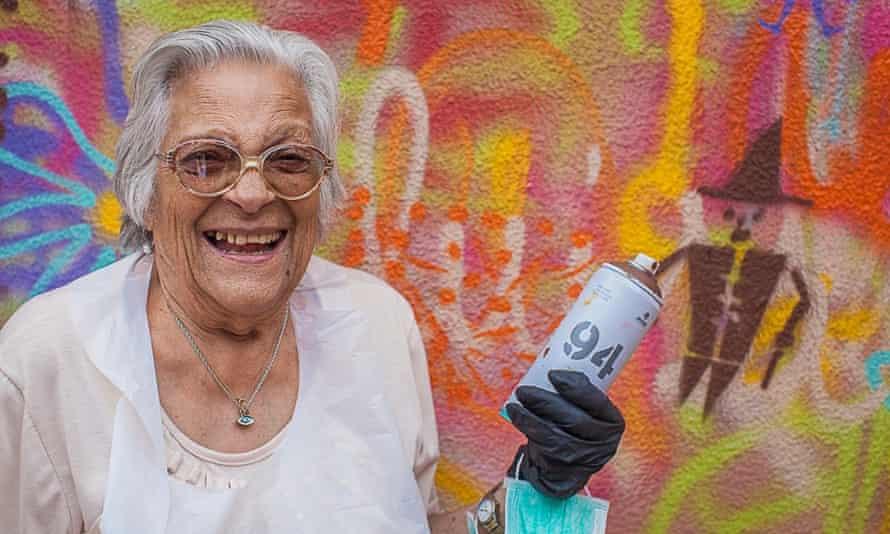 Isaura Santos Costa, 90, at a Lata65 workshop.