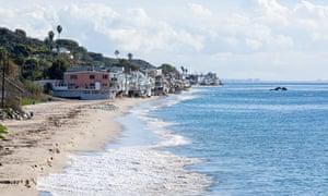 Malibu S Celebrity Homeowners Try To Block Public Beach