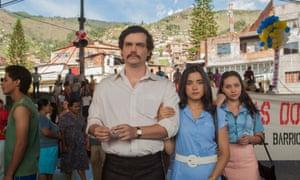 Meet the Escobars … Wagner Moura and Paulina Gaitan in Narcos.