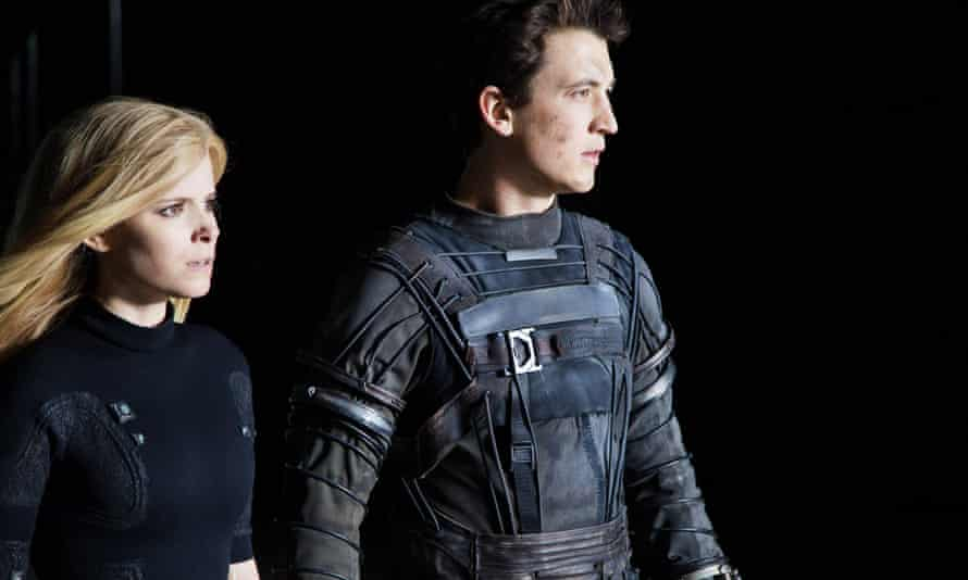 Kate Mara (Sue Storm/Invisible Woman) and Miles Teller (Reed Richards/Mr Fantastic) in Fantastic Four