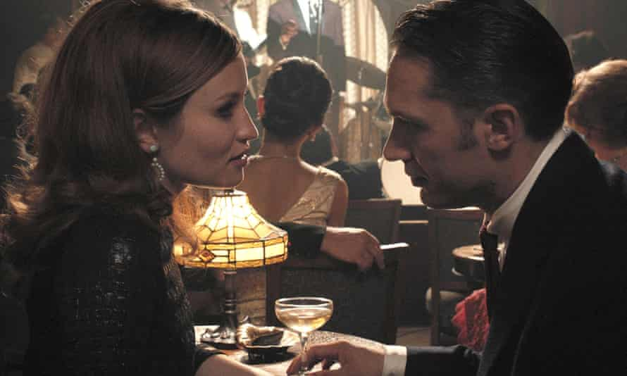 Emily Browning and Tom Hardy in Legend.