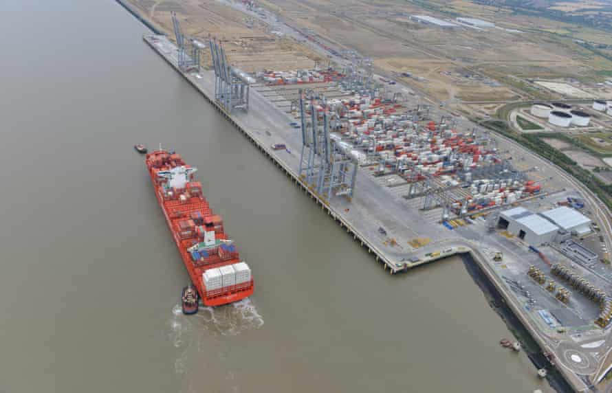 Another ship arrives at London Gateway.
