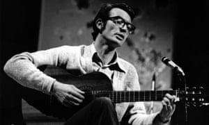 Jake Thackray performing in 1970.