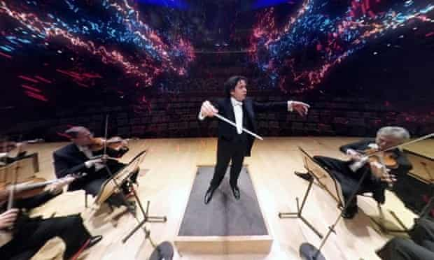 Gustavo Dudamel conducting the LA Philharmonic – as they appear on VR headsets in the orchestra's VAN Beethoven outreach project.