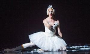 Joshua Thake (Eugenia Repelskii) and  Dying Swan by Les Ballets Trockadero de Monte Carlo