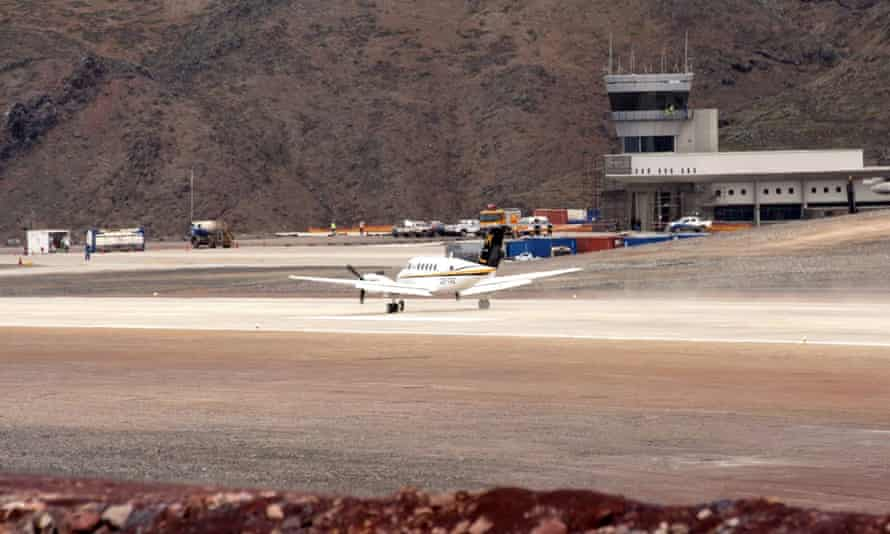 First plane to land on St Helena