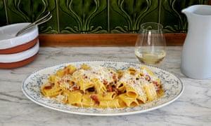 Roman-Style Spaghetti Alla Carbonara Recipes — Dishmaps