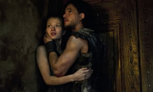 Browing in Pompeii, with Kit Harington.