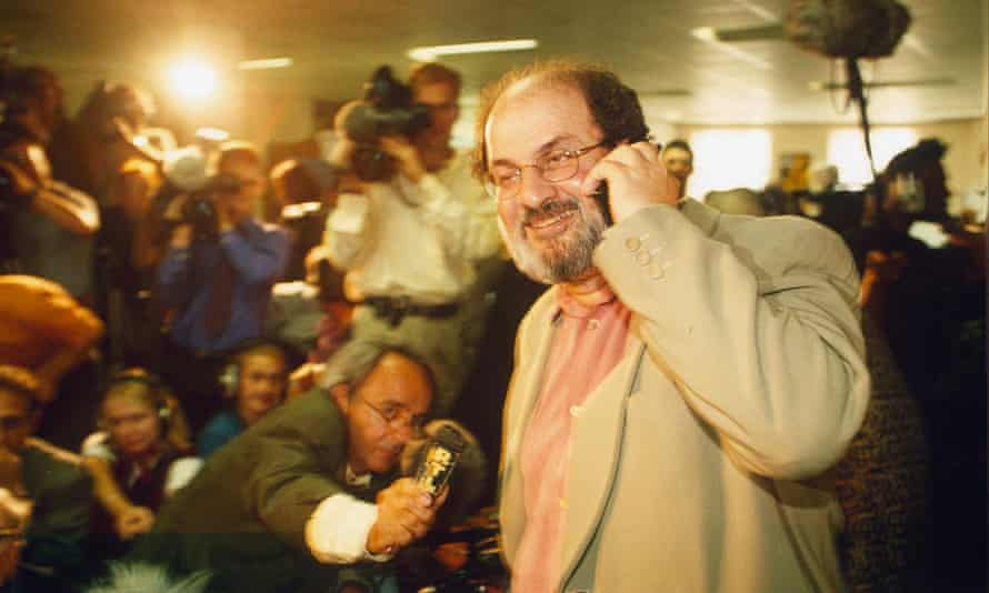 Rushdie in London in September 1998 at a press conference announcing the end of the fatwa placed on him by the Ayatollah Khomeini.