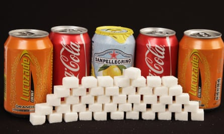 Fizzy drinks with sugar cubes