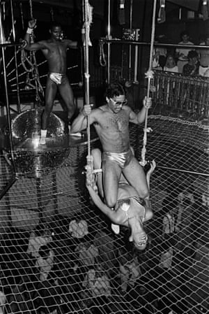 GG's Barnum Room, 1979. 'These mostly transgender and cross-dressing acrobats took their jobs very seriously,' says Bernstein.
