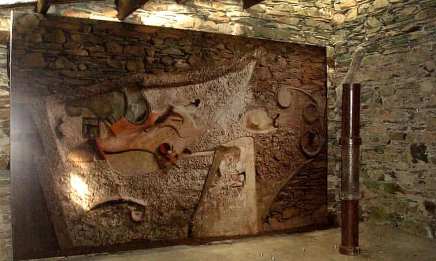 Kurt Schwitters' Merz Barn showing photographic reproduction of the original artwork.