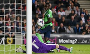 Sadio Mané scores Southampton's second goal