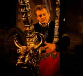 Lyre player Andy Lowings.