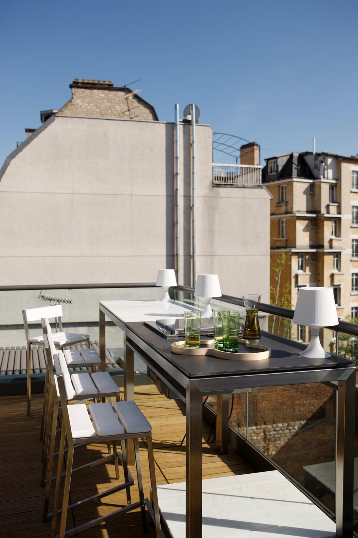 Maison de la lumi re a modern home in paris in pictures life and style - La maison de claire paris ...
