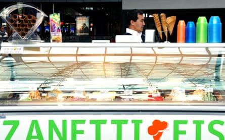 Zanetti Eis ice-cream kiosk and vendor in Berlin Central Railway Station