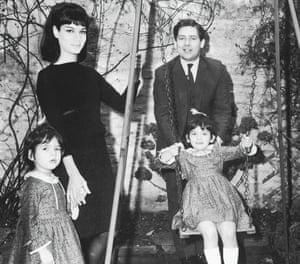 Photograph of Nigella Lawson, with her sister and parents