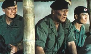 Edward Faulkner, John Wayne and George Takei in The Green Berets
