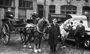 The last Manchester Guardian and Evening News horses and delivery carts, on their retirement in 1952