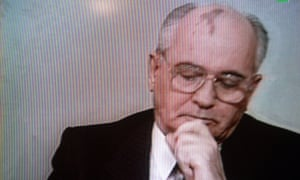 Soviet president Mikhail Gorbachev addresses the Nation to announce his resignation on December 25, 1991.