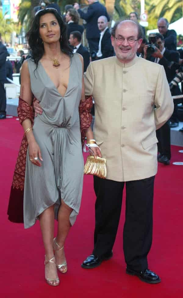 Salman Rushdie with Padma Lakshmi in Cannes, 2004. (AP Photo/Lionel Cironneau)