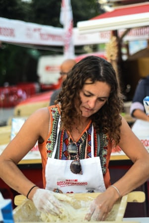 Susan Smillie kneading dough on a pizza masterclass in Naples