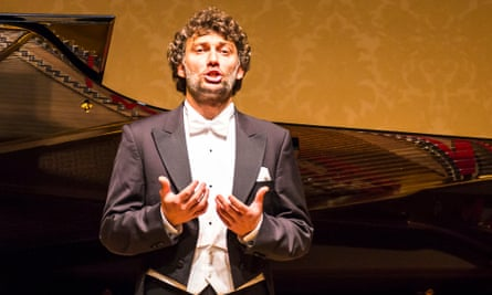 Jonas Kaufmann, tenor, sings at Wigmore Hall accompanied by Helmut Deutsch, piano on Sunday 4th January 2015.