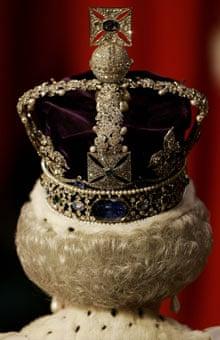 伊丽莎白女王戴冠