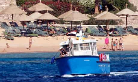 Egyptian boat searches for sharks, Sharm el-Sheikh