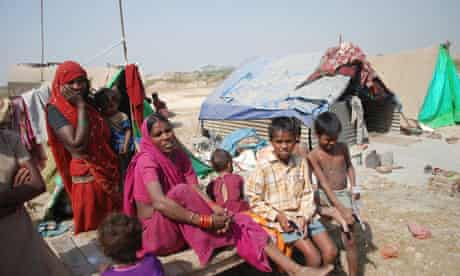 Indian Grand Prix labourers and families