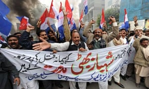 Pakistani Christians shout slogans again