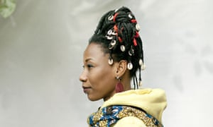 fatoumata diawara 39 we can present our culture in a new way 39 music the guardian. Black Bedroom Furniture Sets. Home Design Ideas