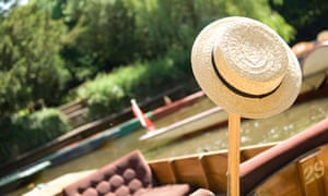 Straw boater rests on Oxford punt
