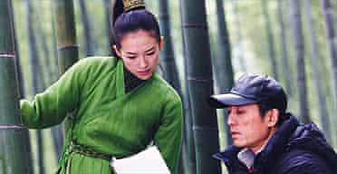Zhang Yimou and Zhang Ziyi on the set of House of Flying Daggers