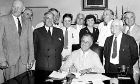 President Franklin Delano Roosevelt signs in the social security act, 1935