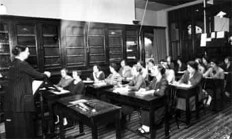 Adult education class for women, 1926