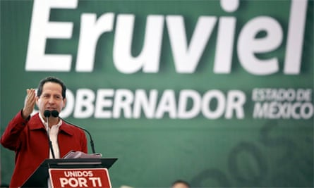 Eruviel Ávila on the stump before July 2011's Mexico state election