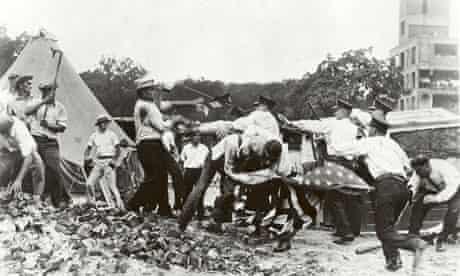 Bonus Army marchers confront police, 1932