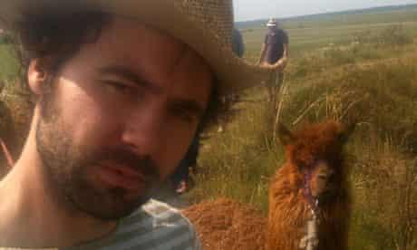 Leader of the alpaca ... Tom and Machu mid-trek.