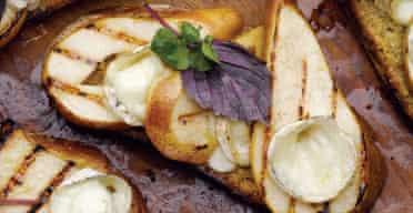 The new vegetarian: pear crostini