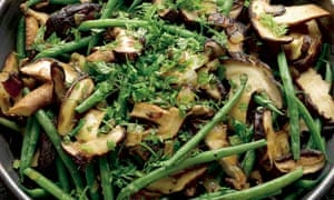 French beans with shiitake mushrooms and nutmeg