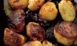 Roasted potatoes with caramel and Agen prunes
