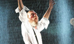 Pete Postlethwaite as King Lear
