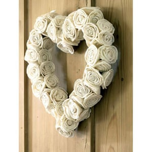 Christmas wreaths: Rose heart-shaped wreath