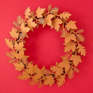 Christmas wreaths: Leaf wreath