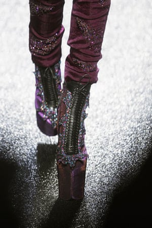 Paris FW Thursday: A model wears Nina Ricci