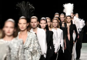 Paris FW Weekend: Models wear Givenchy