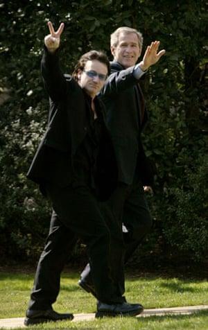 Men who wear stack heels: Bono